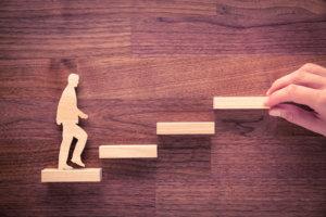 ビジネスの階段を上がるイメージ